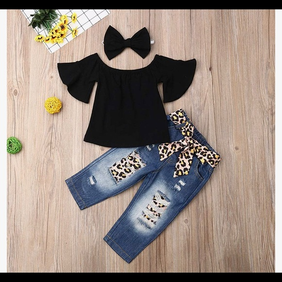 Ruffle Off Shoulder Top Distressed Leopard Jeans 3